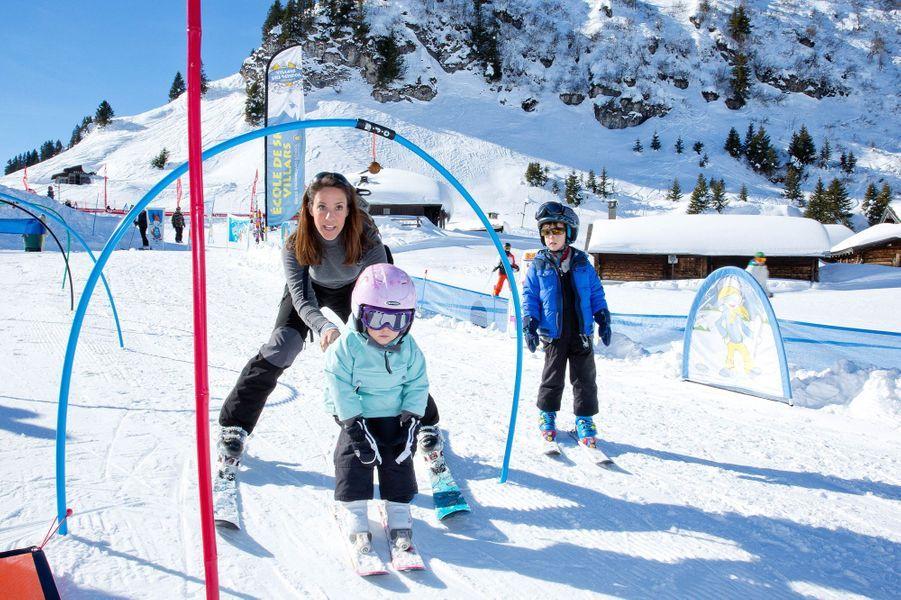 La princesse Marie de Danemark avec ses enfants en vacances en Suisse, le 10 février 2015