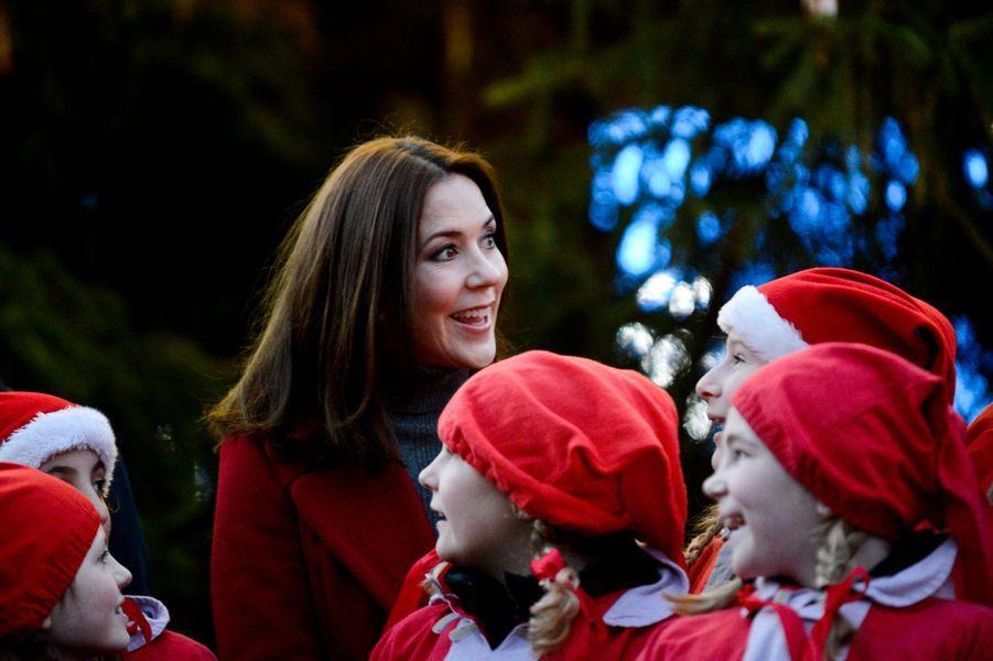 La princesse Mary lance les festivités de Noël à Copenhague, le 29 novembre 2015
