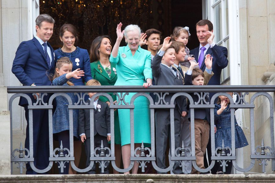 Les princesses Mary et Marie de Danemark avec la famille royale lors des 75 ans de la reine Margrethe II, le 16 avril 2015