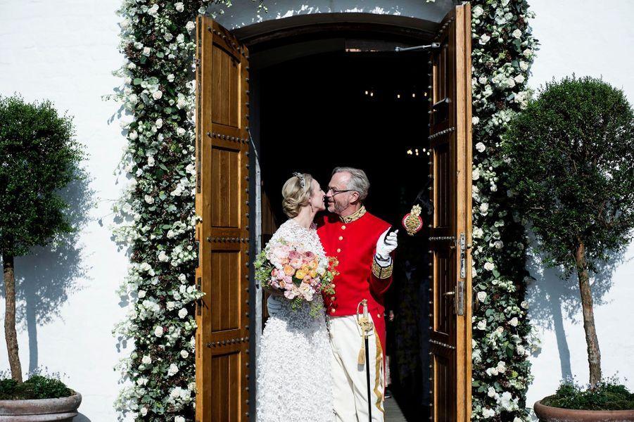 Au mariage de la princesse Alexandra von Sayn-Wittgenstein-Berleburg et du comte Michael Ahlefeldt-Laurvig-Bille à Svendborg, le 18 mai 2019