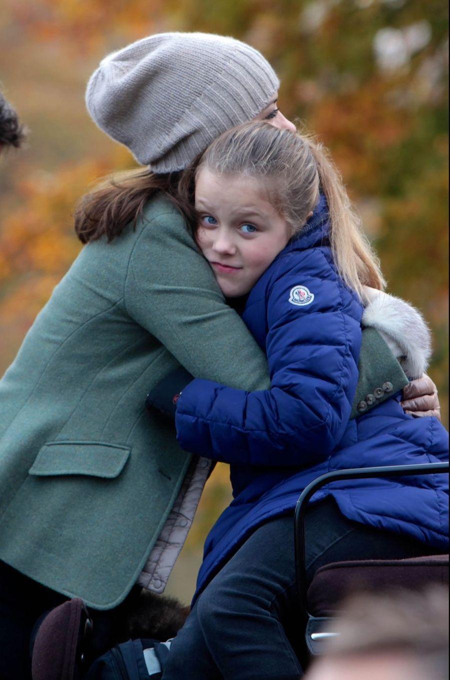 La princesse Isabella de Danemark avec sa mère la princesse Mary, le 1er novembre 2015
