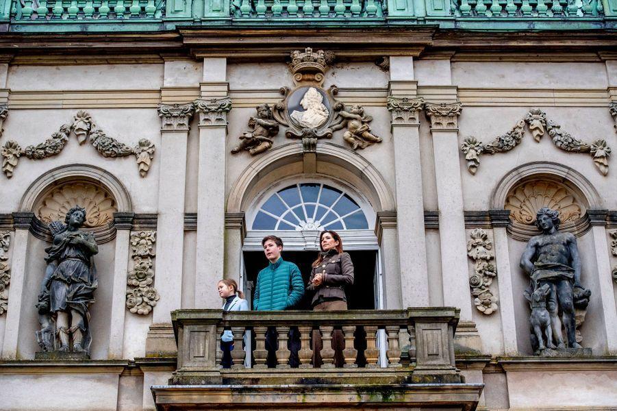 Les princesses Mary et Josephine de Danemark et le prince Christian à Dyrehaven, le 3 novembre 2019