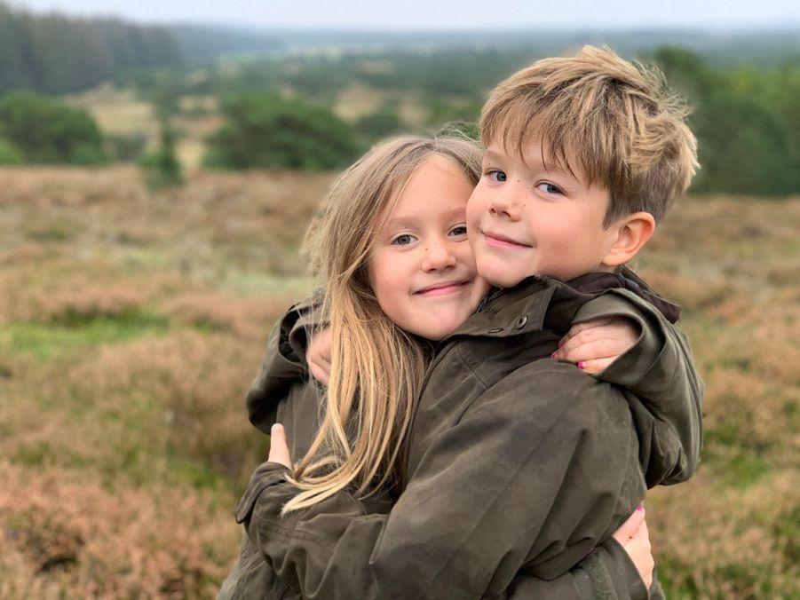 Les jumeaux la princesse Josephine et le prince Vincent de Danemark. L'une des photos diffusées le 8 janvier 2020 pour leurs 9 ans