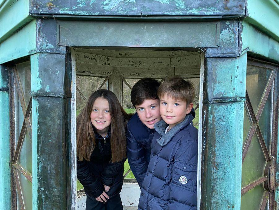 Le prince Vincent de Danemark, avec le prince Christian et la princesse Isabella. L'une des photos diffusées le 8 janvier 2020 pour ses 9 ans
