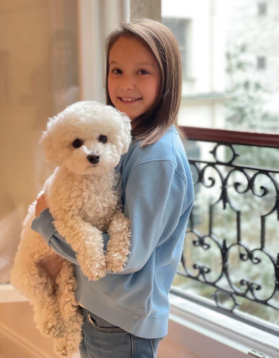 La princesse Athena de Danemark à Paris avec Cerise. L'une des photos diffusées pour ses 9 ans, le 24 janvier 2021