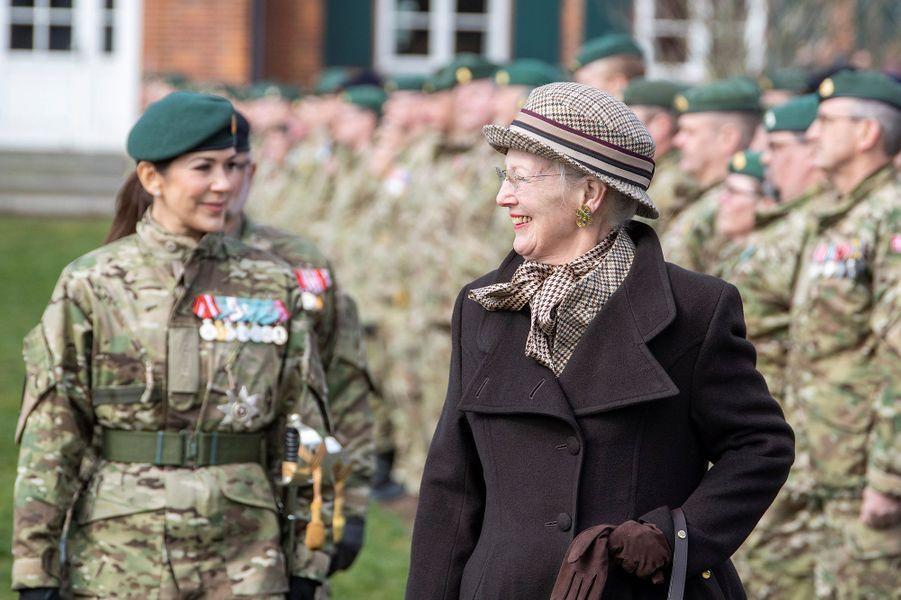 La princesse Mary et la reine Margrethe II de Danemark à Nymindegab, le 31 mars 2019