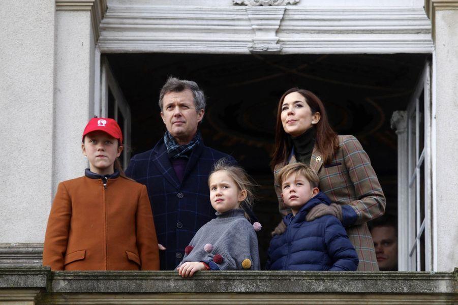 Les princesses Mary, Isabella et Josephine et les princes Frederik et Vincent de Danemark à Dyrehaven, le 4 novembre 2018