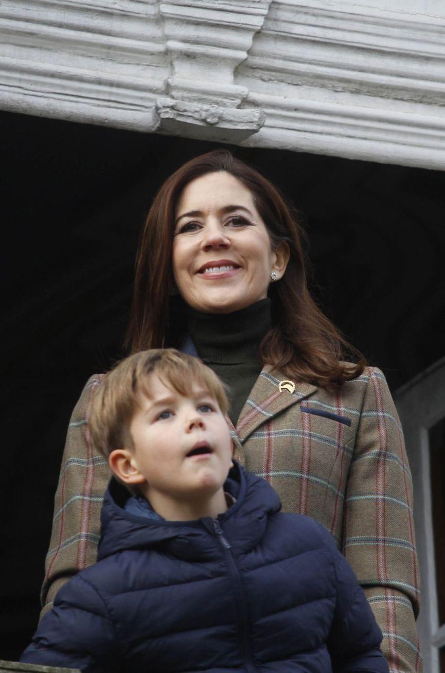 La princesses Mary de Danemark et le prince Vincent à Dyrehaven, le 4 novembre 2018