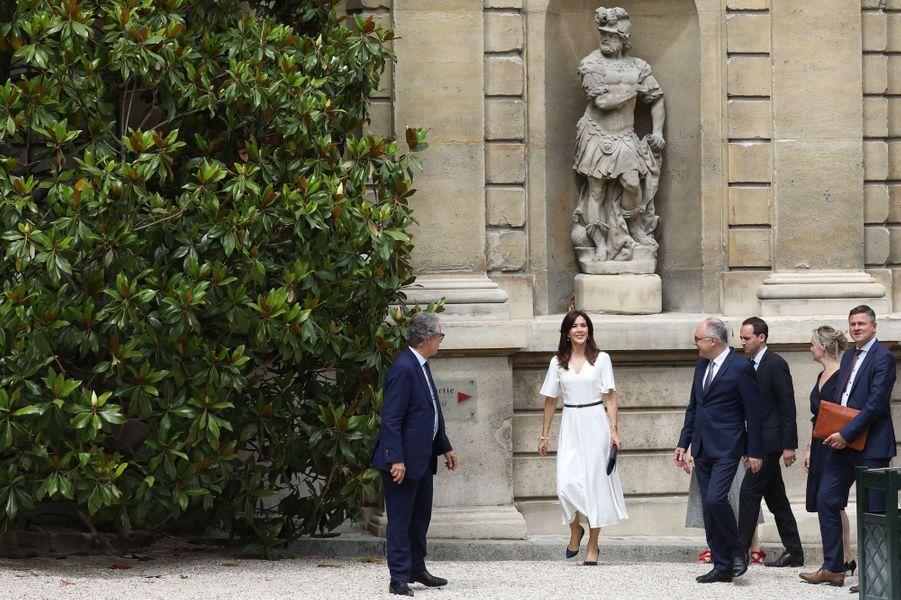 La princesse Mary de Danemark arrive au musée Jacquemart-André à Paris, le 24 juin 2019