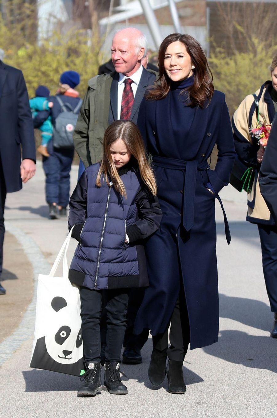 Les princesses Mary et Josephine de Danemark, à Copenhague le 11 avril 2019