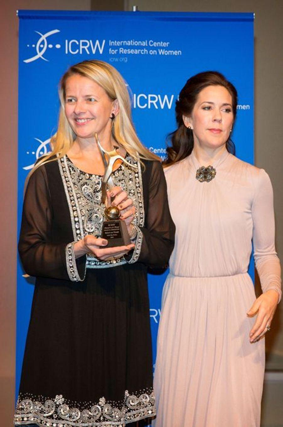 La princesse Mabel des Pays-Bas et la princesse Mary de Danemark à Londres, le 12 mars 2015