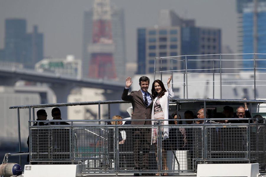 La princesse Mary et le prince Frederik de Danemark dans la baie de Tokyo, le 27 mars 2015