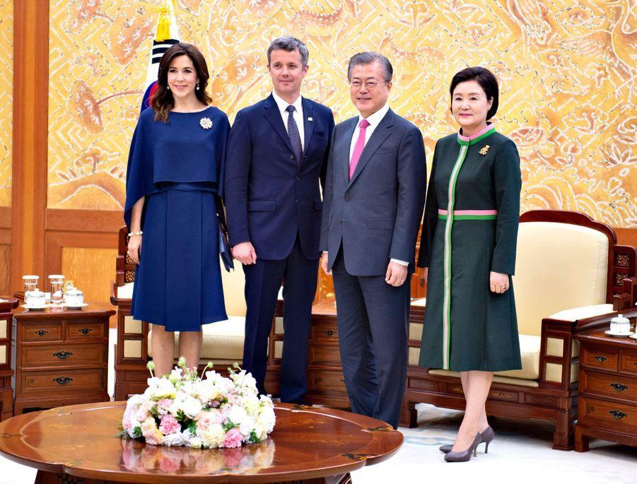 La princesse Mary et le prince Frederik de Danemark avec le président sud-coréen et sa femme à Séoul, le 20 mai 2019
