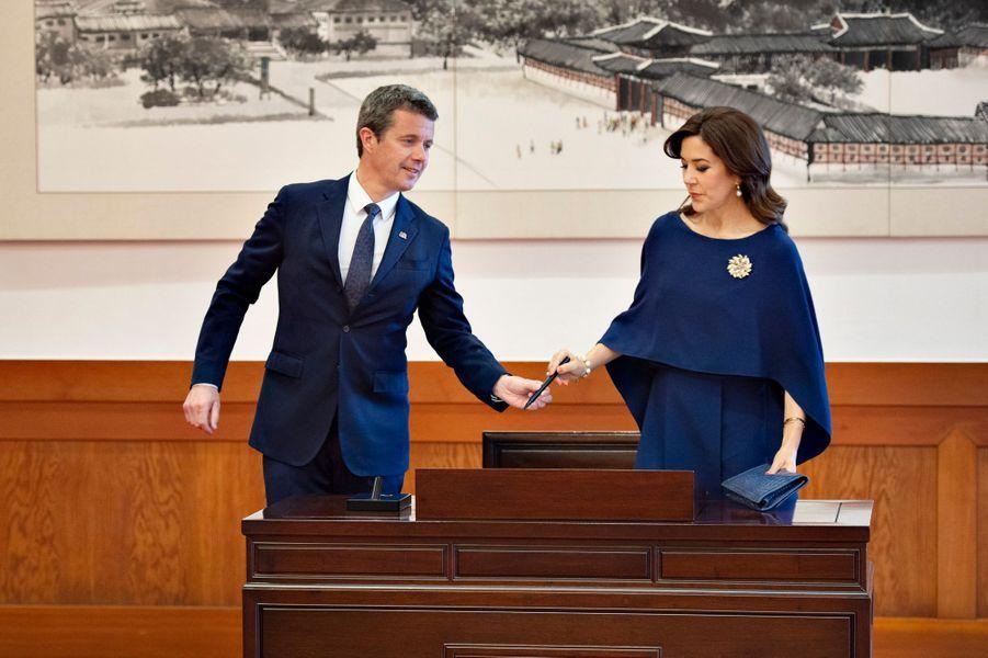 La princesse Mary et le prince Frederik de Danemark, le 20 mai 2019 à Séoul