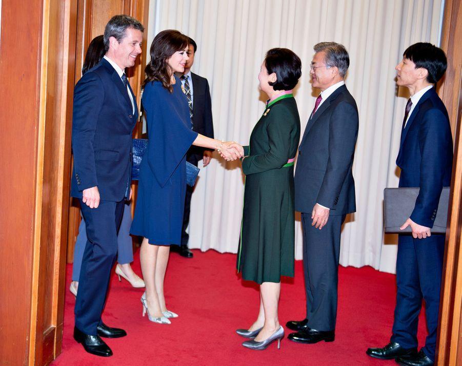 La princesse Mary et le prince Frederik de Danemark reçus par le président sud-coréen et sa femme à Séoul, le 20 mai 2019