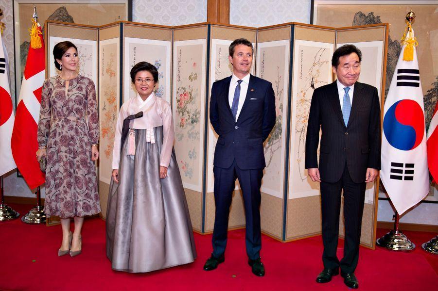 La princesse Mary et le prince Frederik de Danemark avec le Premier ministre sud-coréen à Séoul, le 20 mai 2019