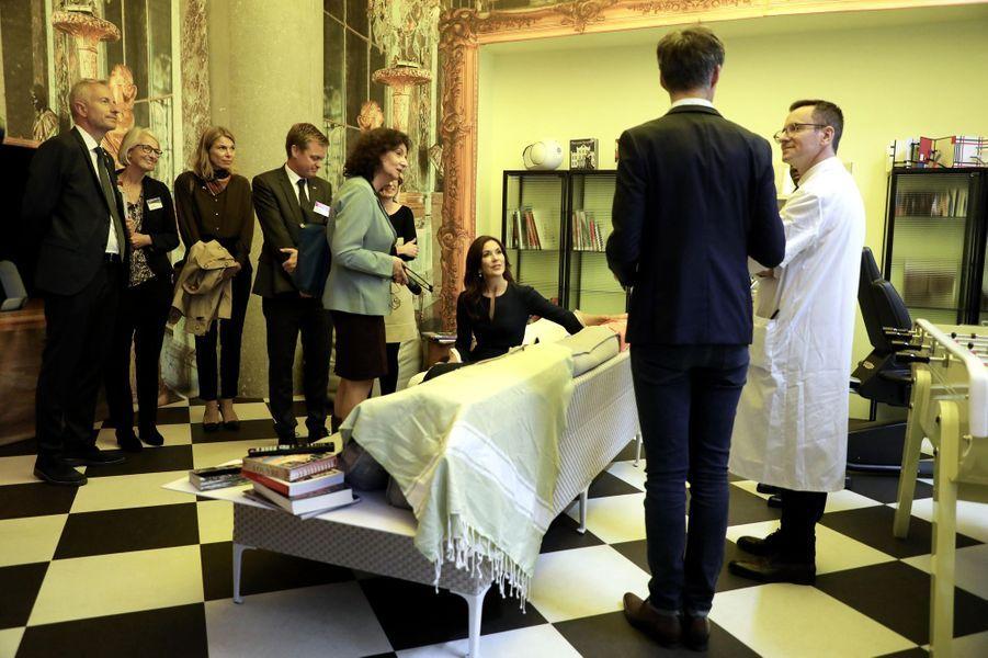 La princesse Mary de Danemark à l'hôpital européen Georges-Pompidou à Paris, le 7 octobre 2019