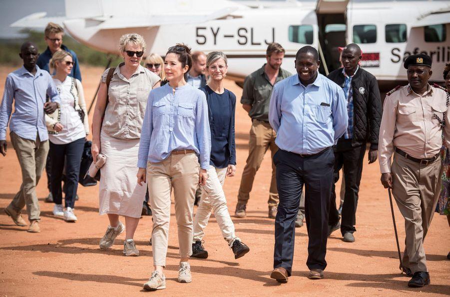 La princesse Mary de Danemark sur la pisted'atterrissage de Kalama, le 27 novembre 2018