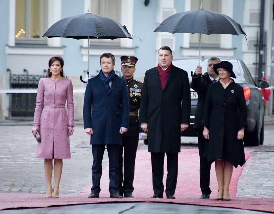 La princesse Mary et le prince Frederik de Danemark avec le président de Lettonie et sa femme à Riga, le 6 décembre 2018