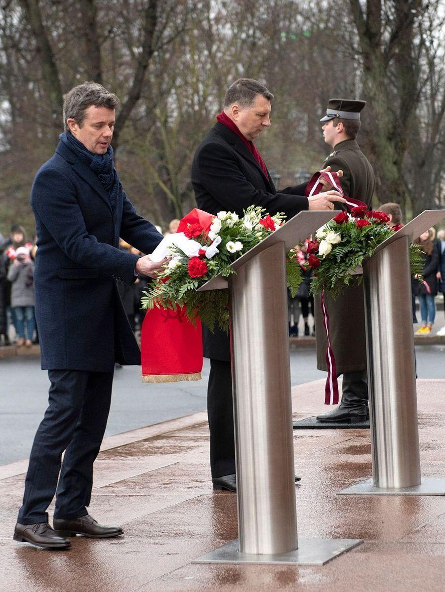 Le prince Frederik de Danemark avec le président de Lettonie à Riga, le 6 décembre 2018