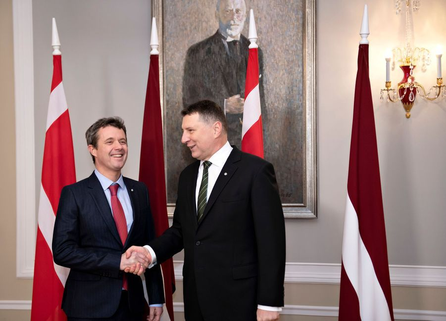 Le prince Frederik de Danemark avec le président letton à Riga, le 6 décembre 2018
