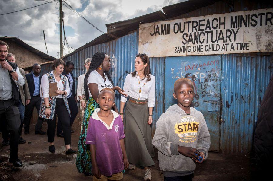 La princesse Mary de Danemark dans le bidonville de Kibera à Nairobi, le 28 novembre 2018