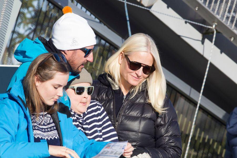 La princesse Mette-Marit et le prince Haakon de Norvège avec leurs enfants à Oslo, le 10 mars 2019