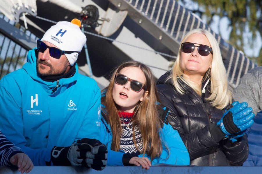 Le prince Haakon et les princesses Mette-Marit et Ingrid Alexandra de Norvège à Oslo, le 10 mars 2019