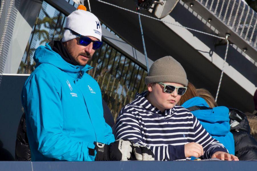 Le prince Haakon de Norvège et son fils le prince Sverre Magnus à Oslo, le 10 mars 2019