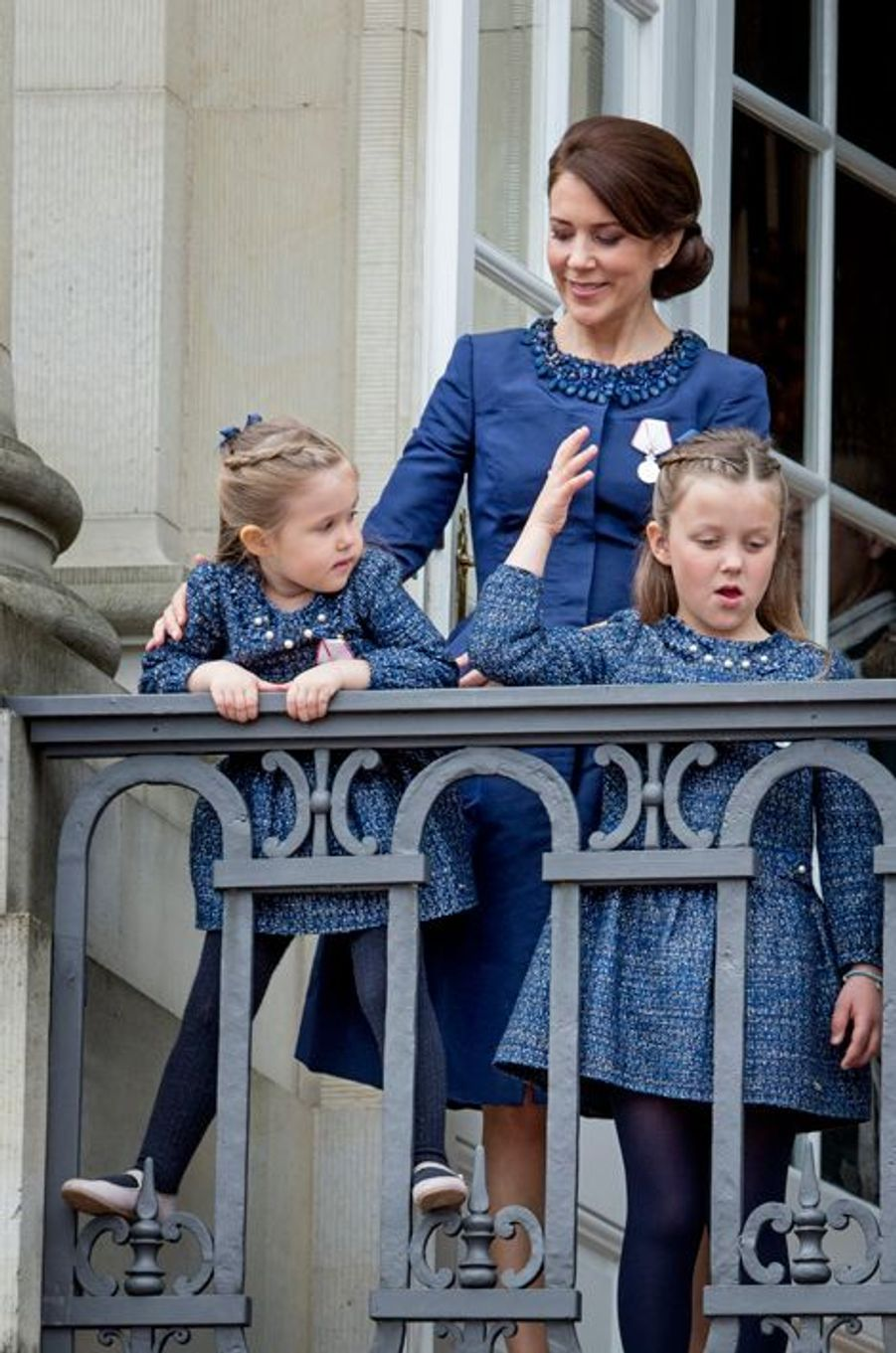 La princesse Mary de Danemark et ses filles à Copenhague, le 16 avril 2015