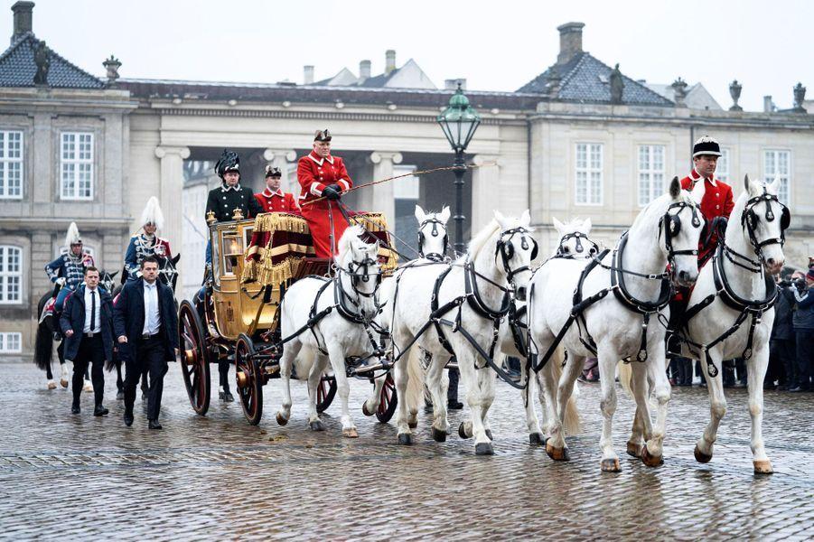 La reine Margrethe II de Danemark dans le carrosse de Christian VIII à Copenhague, le 3 janvier 2019