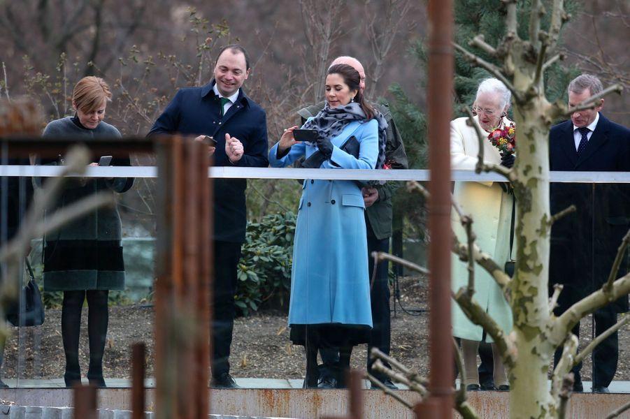 La princesse Mary et la reine Margrethe II de Danemark à Copenhague, le 10 avril 2019
