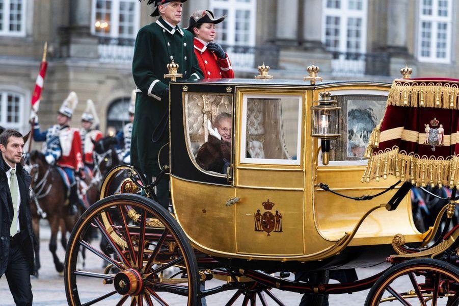 La reine Margrethe II de Danemark se déplace en carrosse à Copenhague, le 4 janvier 2019