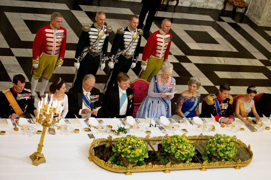 La famille royale de Danemark avec ses hôtes le roi Willem-Alexander et la reine Maxima des Pays-Bas à Copenhague, le 17 mars 2015