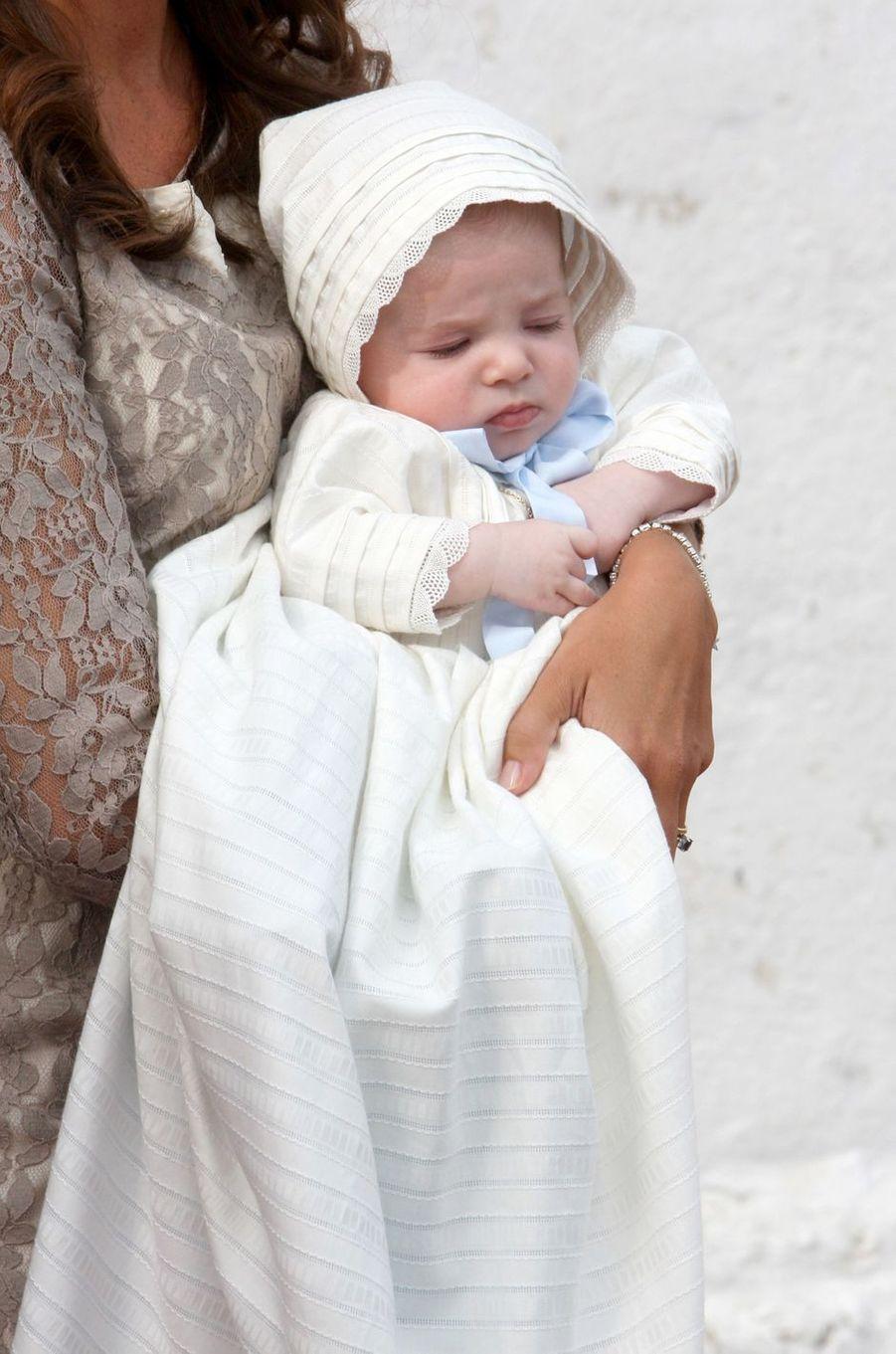 Le prince Henrik de Danemark le jour de son baptême, le 26 juillet 2009