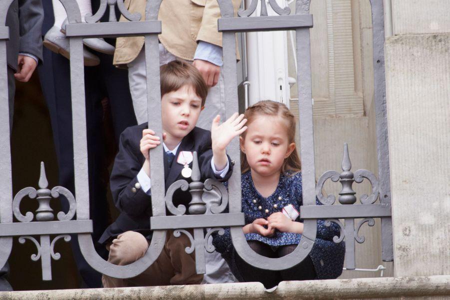 Le prince Henrik de Danemark avec sa cousine la princesse Josephine, le 16 avril 2015
