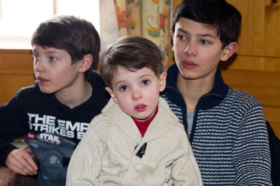 Le prince Henrik de Danemark avec ses demi-frères, le 13 février 2014