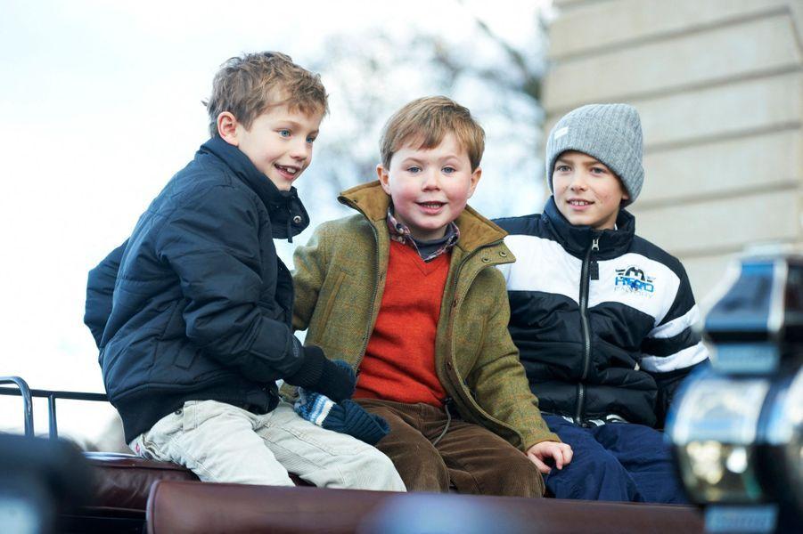 Le prince Christian de Danemark avec ses cousins les princes Felix et Nikolai, le 7 novembre 2010