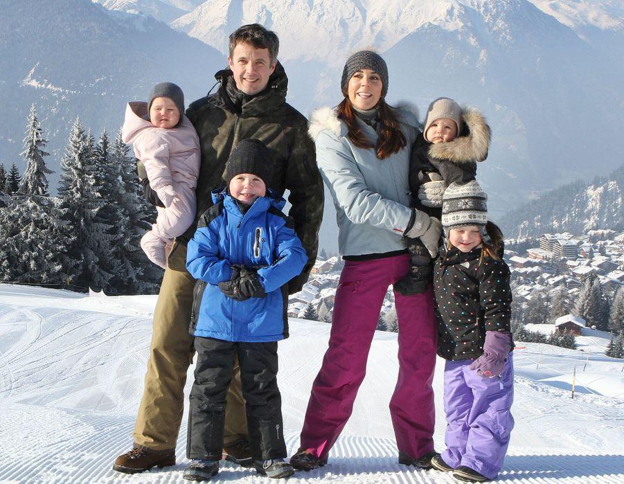 Le prince Christian de Danemark avec ses parents, ses soeurs et son frère, le 12 février 2012