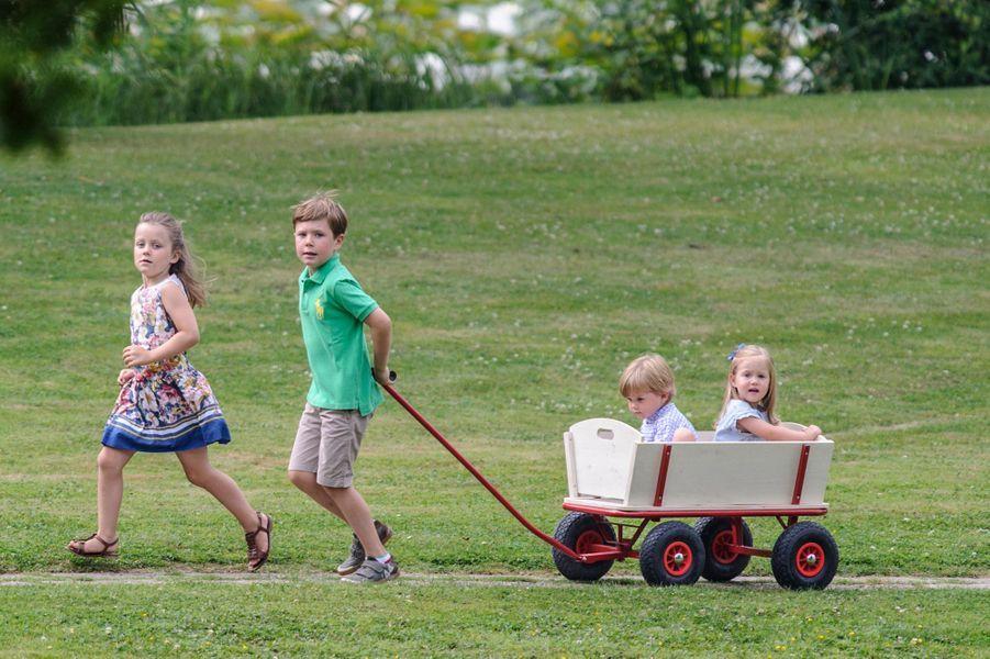 Le prince Christian de Danemark avec ses soeurs et son frère, le 26 juillet 2013