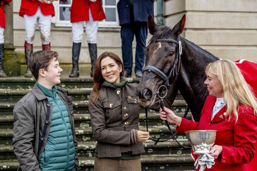 Le prince Christian de Danemark avec sa mère la princesse Mary, le 3 novembre 2019