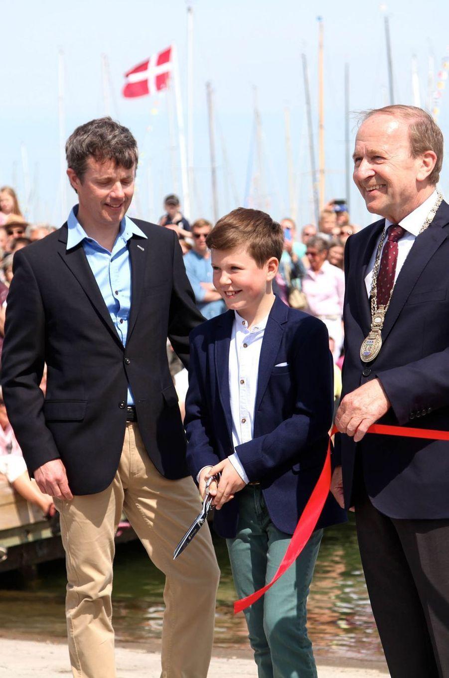 Les princes Christian et Frederik de Danemark à Skovshoved, le 22 mai 2016