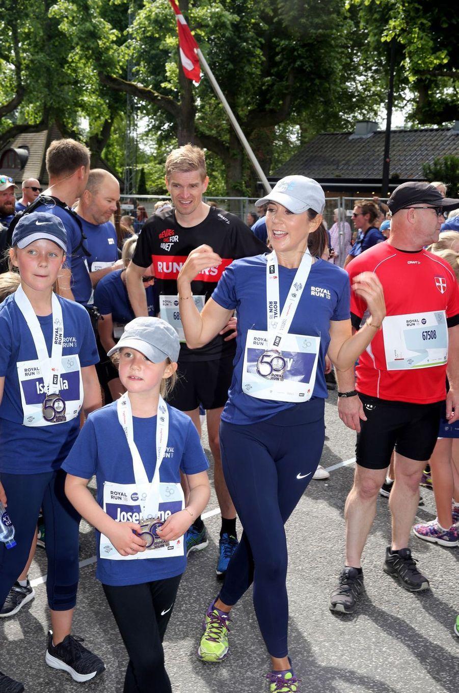 La princesse Mary de Danemark et ses enfants à la Royal Run à Copenhague, le 21 mai 2018
