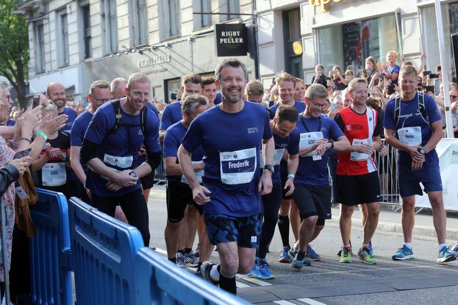 Le prince Frederik de Danemark à la Royal Run à Odense, le 21 mai 2018