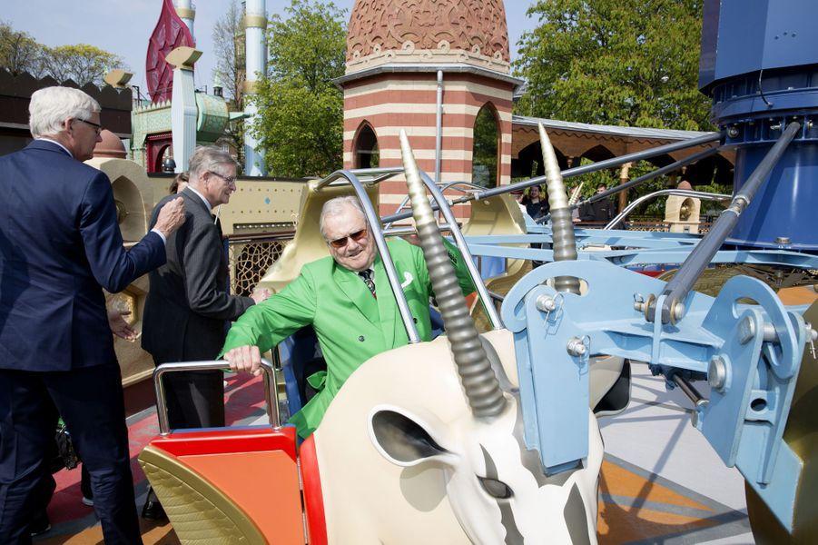 Le prince Henrik de Danemark dans le parc de Tivoli à Copenhague, le 3 mai 2016