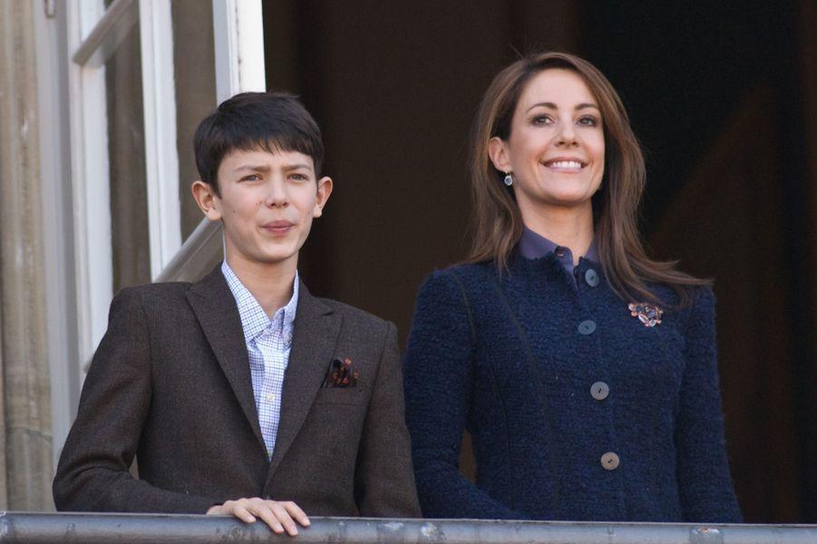 Le prince Nikolai de Danemark avec sa belle-mère la princesse Marie, le 16 avril 2013