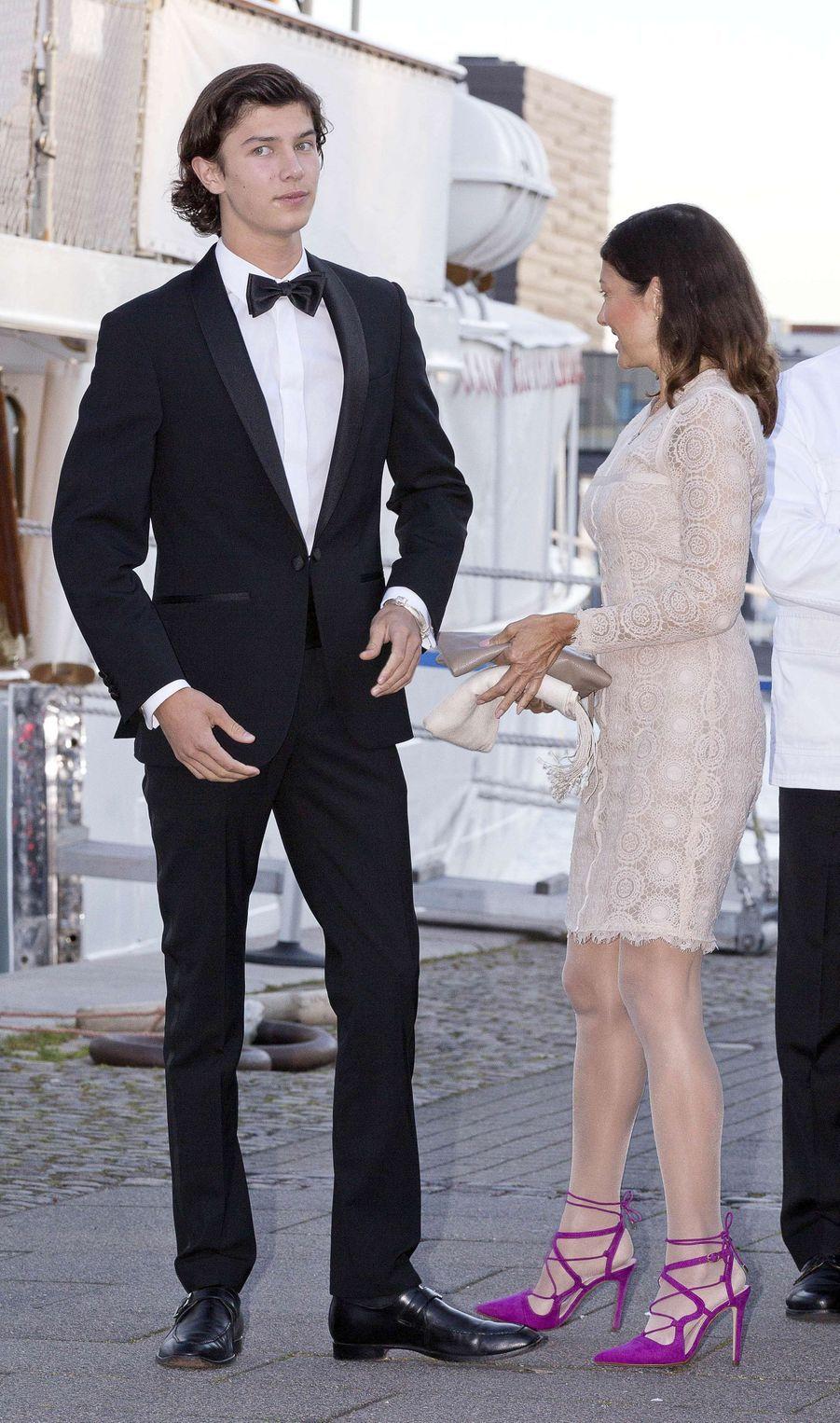 Le prince Nikolai de Danemark et sa mère Alexandra Menlay à Copenhague, le 28 août 2017