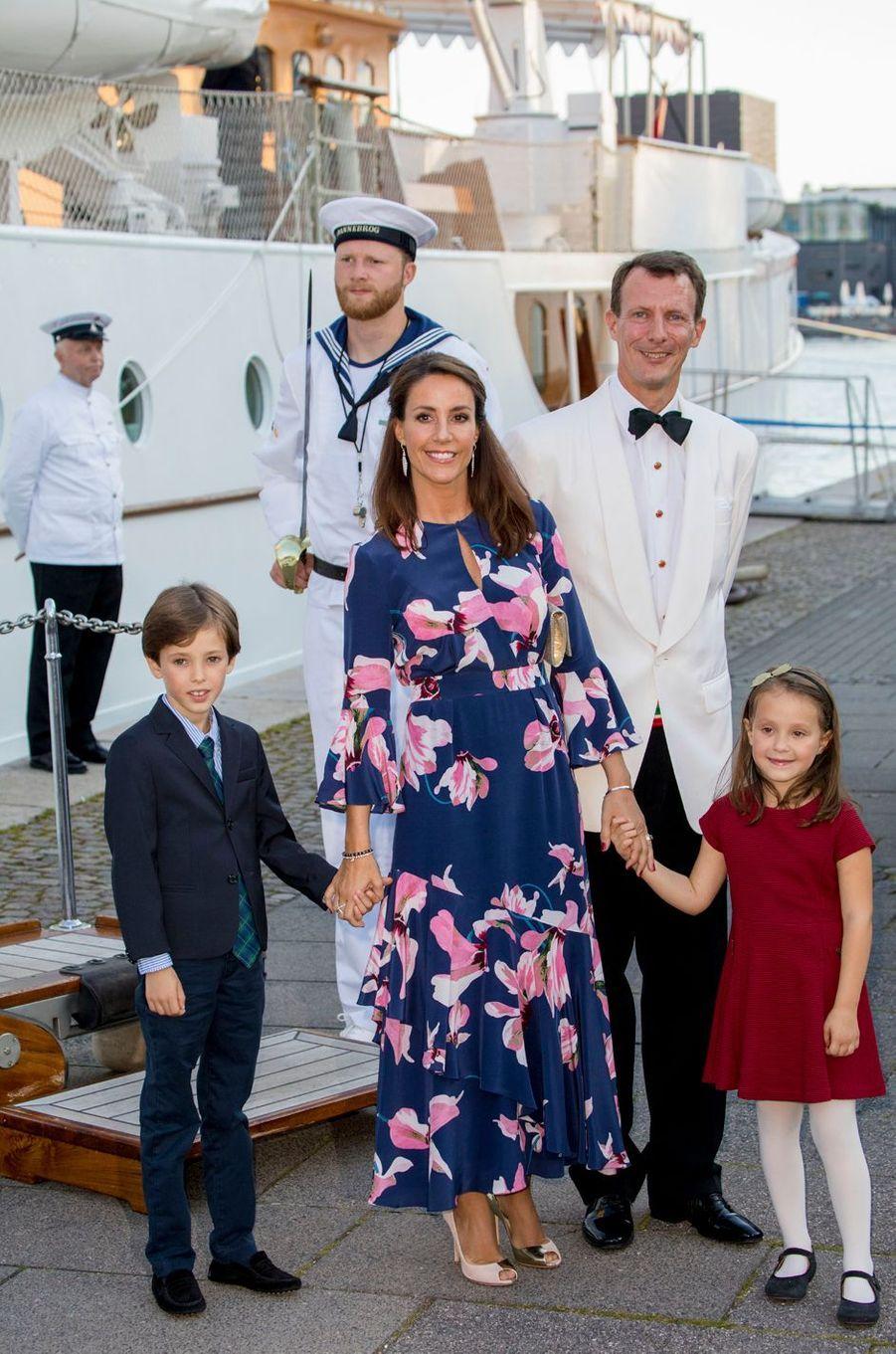 La princesse Marie et le prince Joachim de Danemark avec leurs enfants à Copenhague, le 28 août 2017