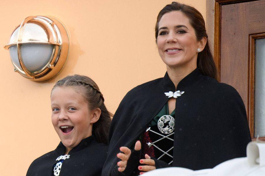 Les princesses Isabella et Mary de Danemark sur le Danneborg aux îles Féroé, le 23 août 2018