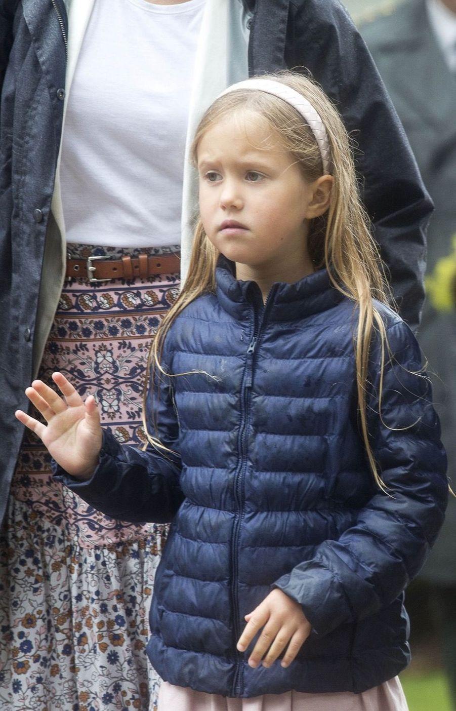 La Famille Royale Du Danemark Assiste Au Passage Du Ringriding Au Château De Gråsten 23